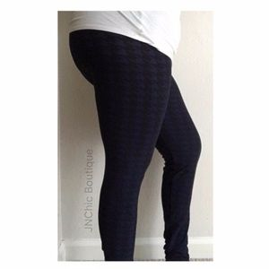 Pants & Jumpsuits - ⭐️CLOSET CLOSING black/ blue leggings